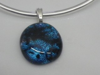 fused glass courses, glass fusion, glass jewellery courses, glass jewellery making, glass jewellery, dichroic glass jewellery, glass fusion,fused glass jewellery, dichroic glass, handmade glass jewellery, fused glass courses, dichroic jewellery, jewelry making courses, jewellery courses uk, dichroic jewelry, jewellery making classes, how to make glass jewellery, making jewellery courses, glass dichroic,